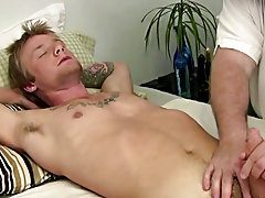 I swapped jobs with Jordan and let him jerk on his shlong for awhile as I toy his ass