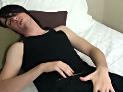 He gave a damn sexy performance in his solo video new tips for male masturbation at Homo EMO!