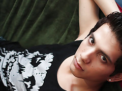 Masturbation by pillow pic and senior black fuck boy pic at Boy Crush!