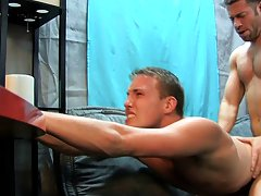 Twinkies fucking younger and fucking fat video gallery at My Husband Is Gay