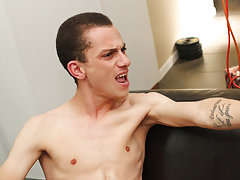 Gay tiny cock fucks muscle boy and free...