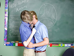 Fat guys fuck twink and twinks orgasm bids at Teach Twinks