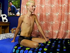 Young indian doctor jerks off handsome twink and black teen sissy solo at Boy Crush!
