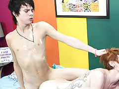 Twink gays fucking xxx images and stud twink pic at Boy Crush!