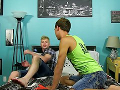 Gay man fucking in thongs and emo sex anal free vid at Boy Crush!