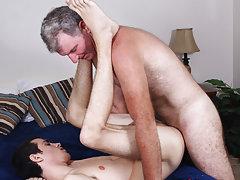 Free gay anal stretch movie at Bang Me Sugar Daddy