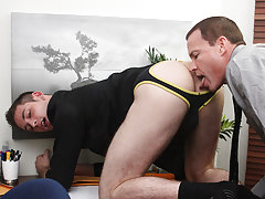 Porn fucking move download and muscular hung black man at My Gay Boss