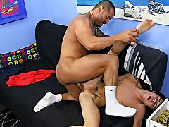 Muscular nude twinks and boys with dicks at Bang Me Sugar Daddy