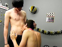 Bareback twink sex tube and gay cute mexican butt at Boy Crush!