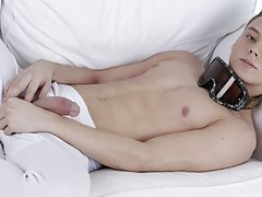 Thai twinks fuck pictures at Staxus