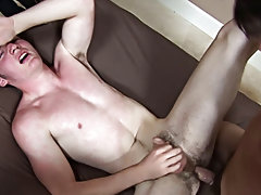 College boy sucking asian dick and...