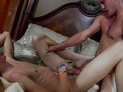 Horny amateur boys and amateur men group naked - Jizz Addiction!