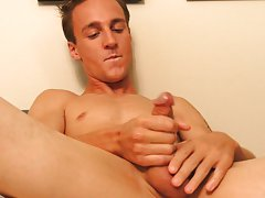 Flat stomach boy jerking off and jerking off huge creamy cum tubes