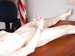 Buff hung twinks porn and twin blowing...