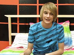Gay blonde twink and cute gay boys anal breeding images at Boy Crush!