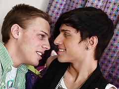 Taylor Lee and Jae Landen are two college aged twinks xxx gay twink boy