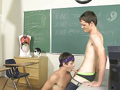 Gay twink porn galleries tube and bodybuilder fuck a twink galleries at Teach Twinks