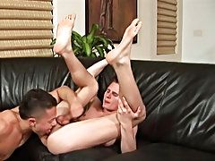 Brody and Paulie start off with some very passionate kissing, before Brody moves down onto Paulie and slurps all up and down Paulies uncut cock latain