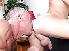 Indian muscular gay sex photos at Bang Me Sugar Daddy