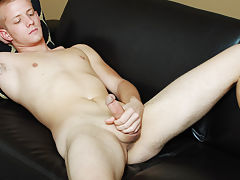 Twinks lockers and nude pinoy college twinks