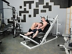 His endorphins are kickin' and he equitable can't resist doing the deed to himself on some equipment gay free twink videos at Teach Twinks