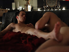 Brice Carson plays a cock thirsty vampire that's about to give Edmund, played by Krys Perez, a real lesson in fear gay twinks