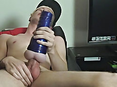 Local boy Phoenix Link returns this week to show off his remarkable 9 pitcher of gay boys fuckin at Homo EMO!