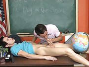 Nerdy twink sex pics and gay bear gangbang twink at Teach Twinks